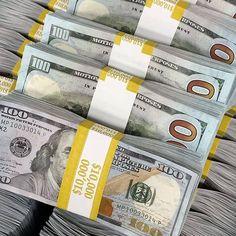 Make Money Online, How To Make Money, Money On My Mind, Money Notes, Dollar Money, Money Stacks, Rich Money, Gold Money, Law Of Attraction Money