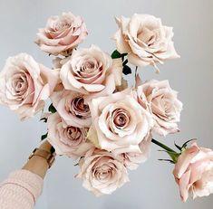 The Biggest Floral Wedding Trends of 2019 — Garden Graffiti - Brisbane Floral Design Studio Floral Wedding, Wedding Bouquets, Wedding Flowers, Wedding Blush, Funeral Flowers, Spring Wedding, Wedding Colors, Wedding Cake, Wedding Reception