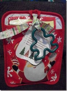 Looking for something to give your kids teacher this year?  This is a quick and easy idea.  Fill and oven mitt ( I liked the oven mitts best...