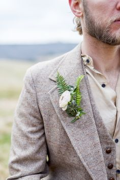 Natural style, ranunculus & fern boutonniere, tweed jacket, button-down shirt, casual groom fashion // Meredith Coe Photo
