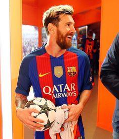 ⚽️ How many hat-tricks has Messi scored for Barça? ⚽️ Quants hat-tricks ha fet Messi amb el Barça? ⚽️ ¿Cuántos hat-tricks ha hecho Messi con el Barça? #FCBarcelona #igersFCB #Messi #Football @fcbarcelona @leomessi