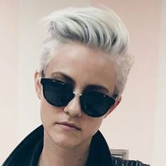 Simple, edgy, and sophisticated Short Grey Hair, Short Hair Cuts For Women, Haircut And Color, Grunge Hair, Pixie Haircut, Short Haircut, Bad Hair, Great Hair, Hair Today