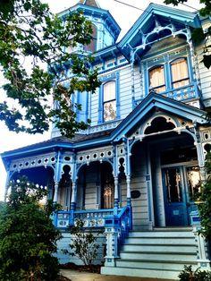 seeninsc:  Gorgeous Westside Victorian