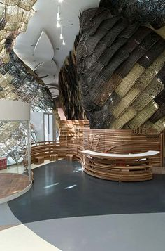 The Barcelonese studio Miralles Tagliabue (EMBT) won the public contest. 