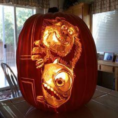 Superb Sulley and Mike Pumpkin Carving – Schnitzerei Halloween Crafts For Kids, Disney Halloween, Halloween Pumpkins, Halloween Decorations, Halloween Oreos, Halloween 2020, Happy Halloween, Halloween Party, Dog Pumpkin