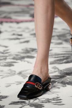 GUCCI Spring Summer 2016   Confesiones de una Casual girl   #trends #shoes #runway #fashion #moda #tendencias #zapatos #blogdemoda #blog