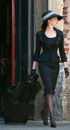 For your funeral haha Elegant Outfit, Classy Dress, Classy Outfits, Stylish Outfits, Fashion Outfits, Fashion Ideas, Work Attire, Timeless Fashion, Vintage Fashion