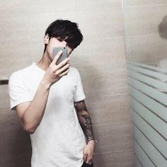 Image in Ulzzang Boy 😍 collection by lee on We Heart It Korean Boys Ulzzang, Cute Korean Boys, Ulzzang Boy, Korean Men, Asian Boys, Asian Men, Korean Girl, Beautiful Boys, Pretty Boys