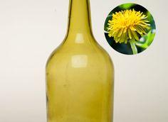 Une recette simple pour préparer une liqueur à base de pissenlit, une mauvaise herbe aux mille vertus.
