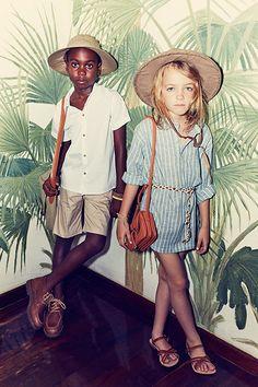 VOGUE-BRASIL-KIDS_ESPERANZA-MOYA4 - fundo de coqueiro