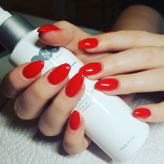 """28 Me gusta, 1 comentarios - NailS.by Sandra Mete -TurmOase (@nails_sandra_turmoase) en Instagram: """"#red #nails#almondnails We love Red Nails ❤"""""""