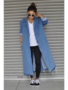 裾が切りっぱなしでラフなイメージのカジュアルなデニムコートコーデ♪参考にしたいスタイル・ファッションまとめ♪