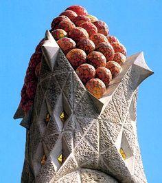 Couronnement d'un clocher - Mosaïques vénitiennes et pavés