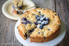 Blueberry breakfast cake a deliciously moist and lightly sweet coffee cake bursting with juicy, fresh blueberries with a hint of lemon and a sugary crust. A deliciously moist, lightly sweet Lemon Icebox Cake, Lemon Blueberry Cupcakes, Blueberry Recipes, Blueberry Breakfast, Breakfast Cake, Breakfast Recipes, Blueberry Crumble, Breakfast Ideas, Canned Blueberries