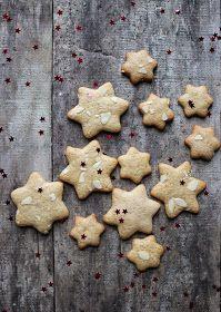 Vanilla&Staubzucker: Spicy honey cookies – Biscotti speziati al miele – Mirisni Medenjaci