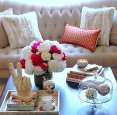 Coffee Table Talk com redoma
