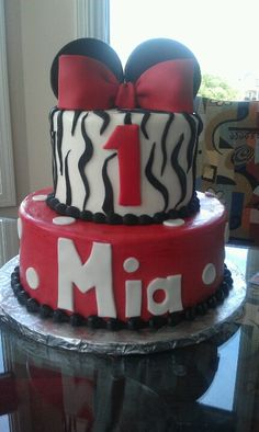 Minnie Mouse b-day cake