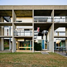 Miller House, Lexington, Kentucky, 1987-1991 (Jose Oubrerie) There is an excellent and very informative article on ArchDaily (with photograp...