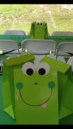 Treat Bags: Frog Party