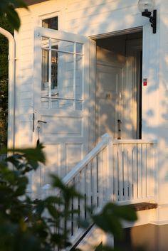 lilla - front door 2