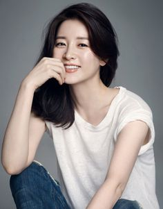 lee young ae at DuckDuckGo Korean Beauty, Asian Beauty, Asian Woman, Asian Girl, Korean Photography, Asian Haircut, Studio Portrait Photography, Lee Young, Shot Hair Styles