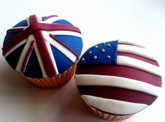American/UK flag cupcakes - I think I know which one you'd like to eat - Jayson Jayson Wood Moist Cupcakes, Fondant Cupcakes, Yummy Cupcakes, Cupcake Cakes, Cup Cakes, 4th Of July Cake, Fourth Of July, Cupcake Art, Cupcake Ideas