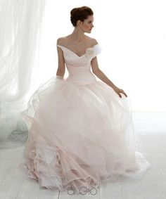 Le-Spose-di-Gio I just love pink wedding dresses