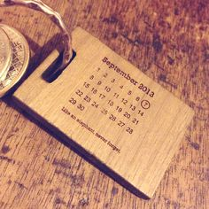 Never forget wooden date key ring give to the groom on the morning of the wedding as a gift