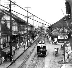 Calle Escolta in 1903 looking towards the Santa Cruz Church. — with Roberto Henson, Islander D'Isle and Nemi Chan at Escolta Sta Cruz, Manila.
