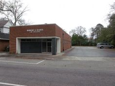 Super, super, super location in downtown Aiken. This building is close to the courthouse, downtown businesses, eateries, churches and residential areas of downtown. This property is currently used as general office space, but could be converted to retail, restaurant or specialty office space. There is a parking lot large enough for all clients and customers and there is excellent visibility from the road. Street parking is available as well.There is a primary reception area with open work…