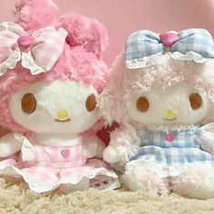 My Sweet Piano and Melody Plushies Melody Hello Kitty, Sanrio Hello Kitty, My Melody, Sanrio Characters, Cute Characters, Softies, Plushies, Otaku Room, Kawaii Accessories