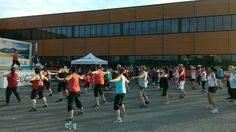 Nos employés qui s'amusent au Zumba-thon de SAIL pour amasser des fonds pour Leucan ! / Our employees having fun at the SAIL Zumba-thon fundraiser for Leucan! Zumba, Sailing, Basketball Court, Sports, Tuna, Candle, Hs Sports, Sport