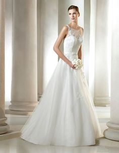 Sabola wedding dress with embroidered tulle skirt with gemstone details