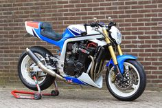 Suzuki GSXR 1100 yoshi-fighter by Twisted Synergy.