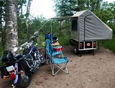 Motorcycle camping with light weight camper Tent Campers, Camper Trailers, Camping Life, Camping Gear, Motorcycle Camper Trailer, Bike Motor, Trailer Tent, Sidecar, Hiking Backpack