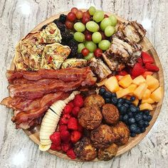 How to Make Epic Charcuterie Boards - from an Expert! Charcuterie boards are all the rage and today I've got an expert in the house who is sharing tips on how to make epic charcuterie boards that will WOW everyone! These creative snack boards are Charcuterie And Cheese Board, Charcuterie Platter, Party Food Platters, Food Trays, Catering Trays, Antipasto, Breakfast Platter, Snacks Sains, Brunch Recipes