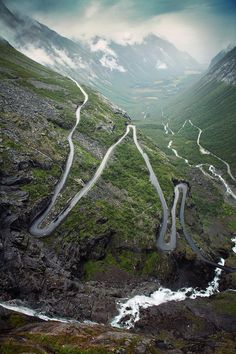 The famous mountain road with its narrow curves and sharp hairpin bends.
