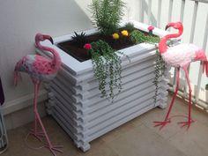 Crush | Les solutions esthétiques pour pompes à chaleur et climatisations #flamingo #madeinfrance Sweet Home, Concept, Plants, Inspiration, Diy, Sound Proofing, Wood Patterns, Heat Pump System, Biblical Inspiration