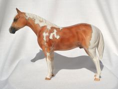 Flashy! TR Dark Palomino Paint Quarter Stock Horse Ceramic China Figurine Palomino, Worlds Largest, China, Horses, Ceramics, The Originals, Dark, Model, Animals