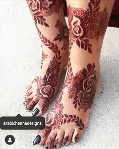 Kashee's Mehndi Designs, Henna Flower Designs, Pretty Henna Designs, Latest Henna Designs, Arabic Henna Designs, Wedding Mehndi Designs, Mehndi Designs For Fingers, Leg Mehndi, Foot Henna