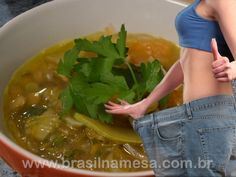 Dieta da sopa milagrosa que emagrece 1 kg por dia Healthy Tips, Healthy Eating, Healthy Recipes, Healthy Foods, Super Dieta, Soup Cleanse, Juice Cleanse, Dietas Detox, Menu Dieta
