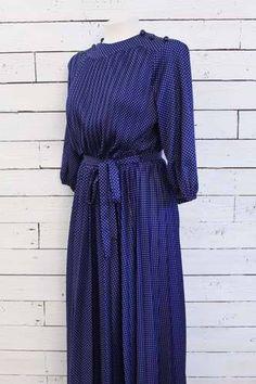 vintage dotted maxi dress http://www.sugarsugar.nl/baby-dots-dress-p-8906.html