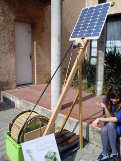 Homemade solar powered washing machine - yes, if the electricity went out, I definitely would not want to be without my clothes washer! Now do they make a solar powered dish washers too?