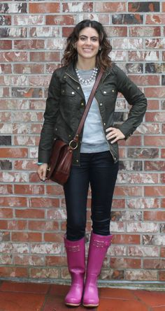 What does one wear when it's raining? You're pink rainboots, a light weight camo sweater and an olive jacket. This was my outfit on Monday. I love living in Vancouver,. Mature Fashion, Fashion Tips For Women, Olive Jacket, Leather Jacket Outfits, Camo Jacket, Fall Looks, My Outfit, Fashion News, What To Wear