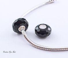 2 Perles Européennes, noyau unique Argent Sterling,Fait de verre à facette Noir - S'adapte à tous les bracelets Européens (C-182) Argent Sterling, Washer Necklace, Cufflinks, Bracelets, Unique, Accessories, Etsy, Jewelry, Murano Glass