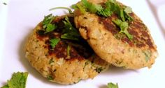 Tuna Burgers Instead of plain ol tuna-salad-sandwiches for lunch, try this variation. Also great when you need a light, fast dinner. This recipe easily cuts in half, to serve just 1 or Burger Recipes, Fish Recipes, Seafood Recipes, Dinner Recipes, Crowd Recipes, Meat Recipes, Pasta Recipes, Recipies, Canned Tuna Recipes
