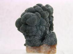 Romanèchite, (Ba,H2O)2(Mn++++,Mn+++)5O10, Adam Heber Mine, Schneeberg, Erzgebirge, Saxony, Germany. (~1920). Dimensions 2.5 x 1.8 x 1.5 cm. Collection/Copyright:geomueller