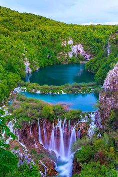Photography of nature Breathtaking sunset view in the Plitvice Lakes National Park, Croatia autumn - the emerald lake Beautiful Nature Wallpaper, Beautiful Landscapes, Landscape Photography, Nature Photography, Film Photography, Photography Ideas, Amazing Photography, Beautiful Places, Beautiful Pictures