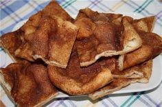 Tato skořicová chuťovka je v mé rodině oblíbená… Chutná skvěle! Sweet Recipes, Cake Recipes, Dessert Recipes, Desserts, Sweet Buns, Czech Recipes, Pancake Muffins, No Bake Cake, Bacon