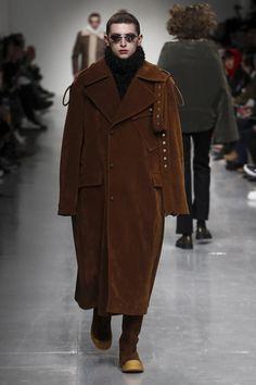 Xander Zhou Fashion Show Menswear Collection Fall Winter 2017 in London